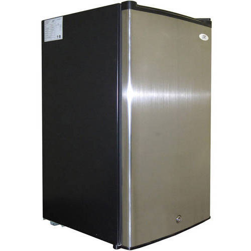 Sunpentown 3.0 cu. ft. Upright Freezer with Energy Star