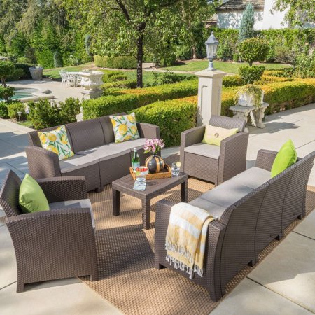 Christopher Knight Home Jacksonville Outdoor 5-piece Wicker-style Chat Set with Sofa and Cushion by ()