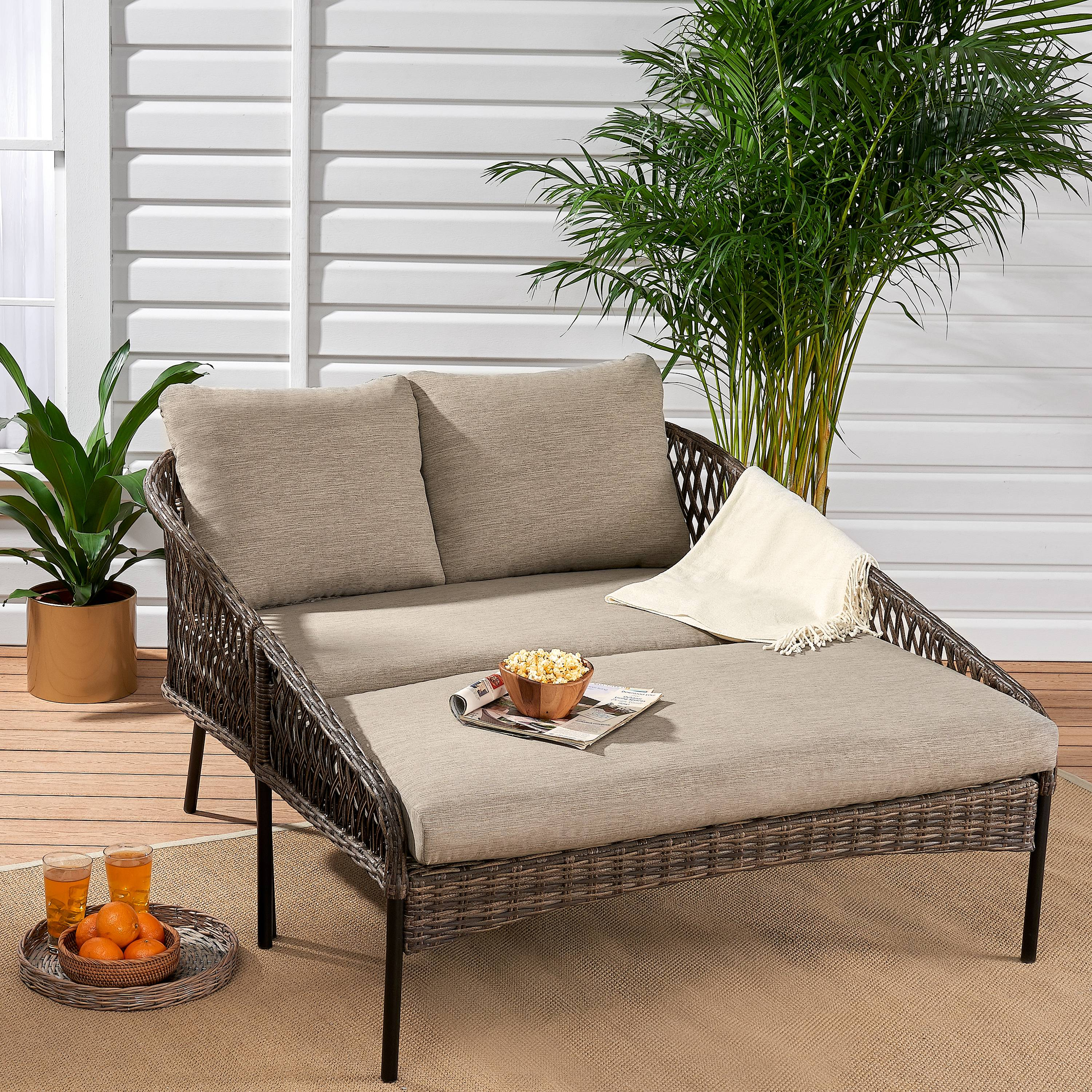 Mainstays Battle Creek Patio Wicker Daybed with Taupe/Gray Cushions