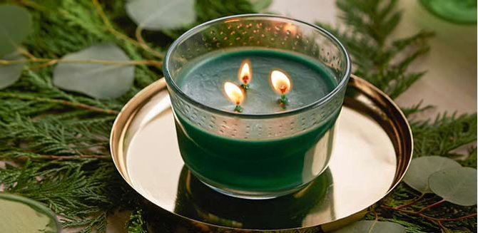 Warming winter scents.��Pine to peppermint & beyond.