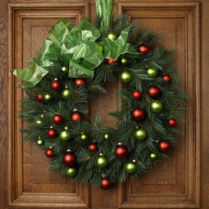 Christmas door wreath: ornaments