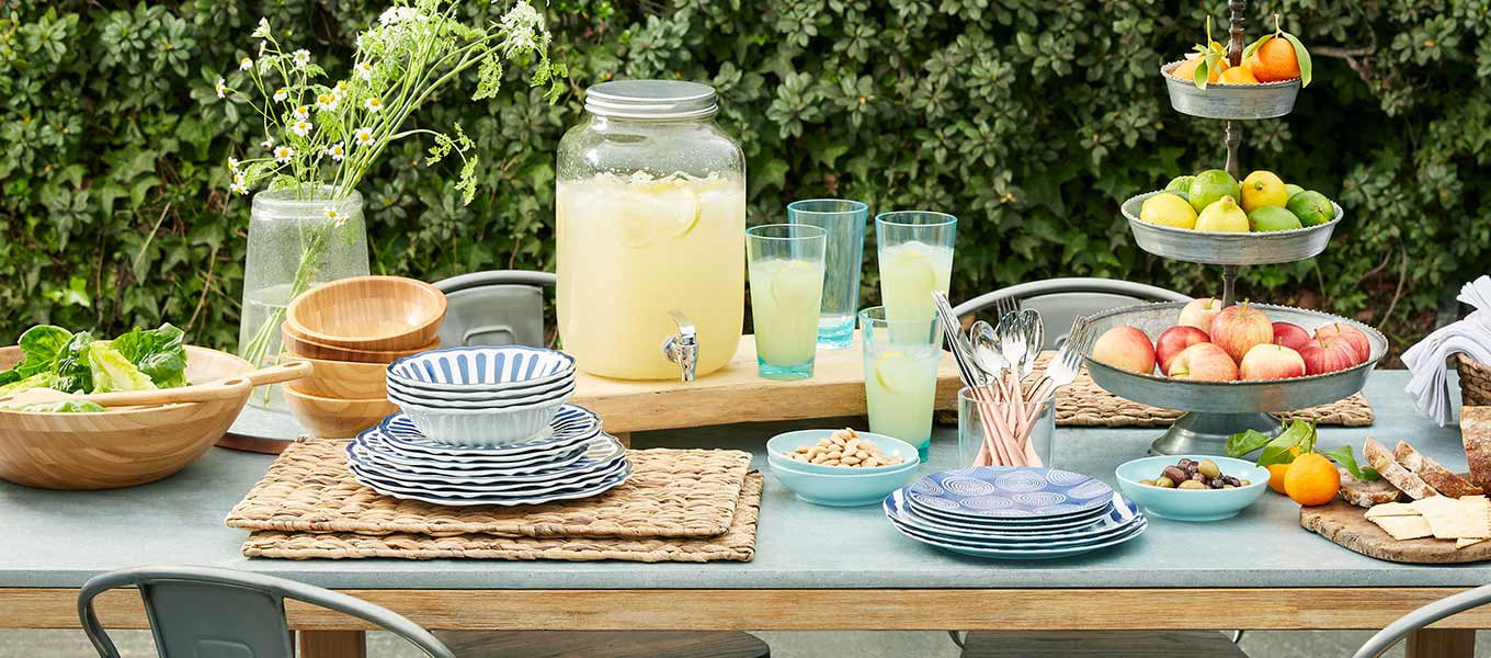 Shop Outdoor Dining & Entertaining
