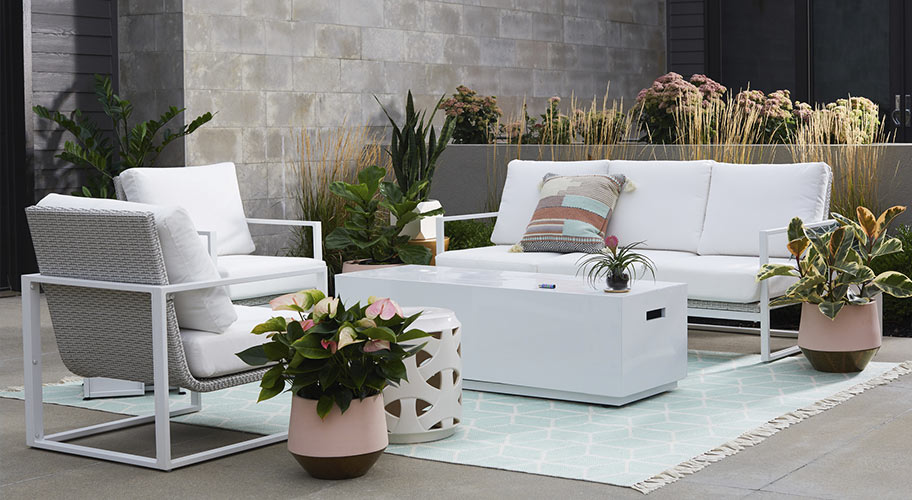 69e72cbbce6 Impress neighbors   yourself with an outdoor living space that feels fresh