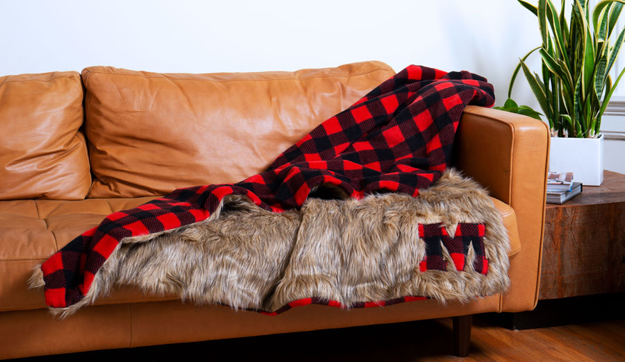 DIY Faux Fur & Buffalo Plaid Throw Blanket