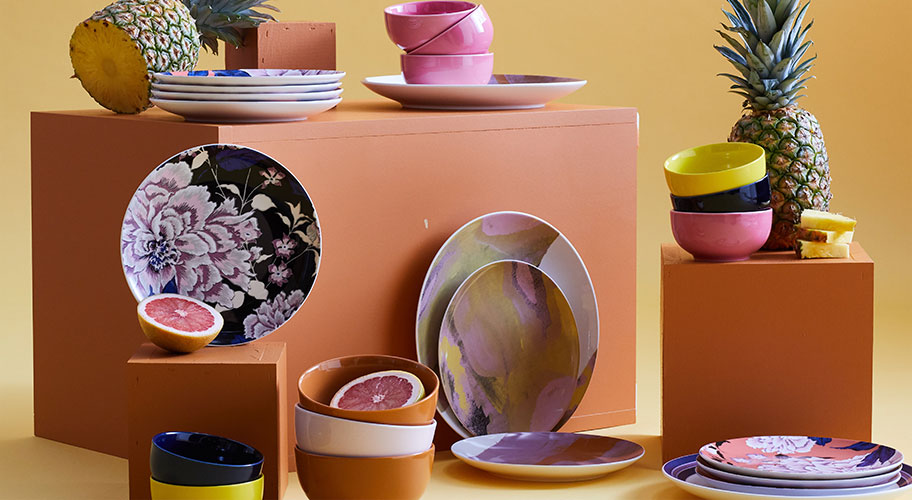 Happier meals. Shop Drew's cheerful and chic dinnerware.