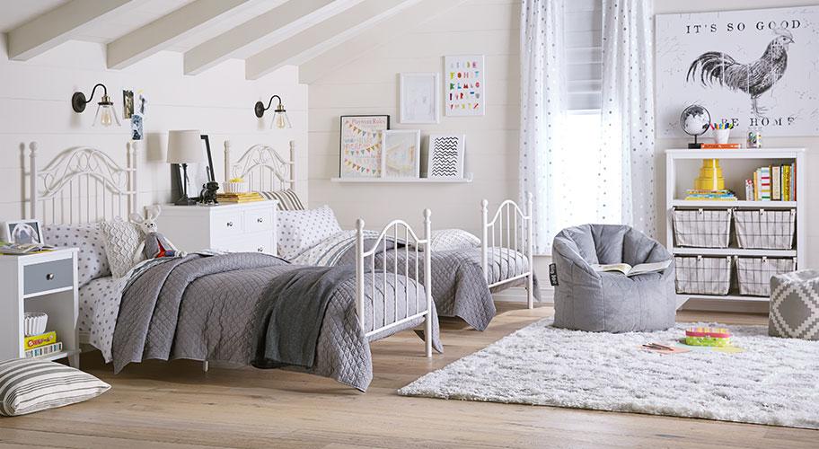 Country Kids. Give Kids A Sweet U0026 Stylish Farmhouse Style Room For Fall U0026