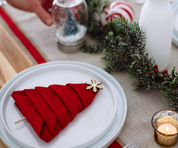 how to throw an epic holiday party on a budget
