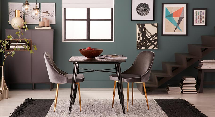 Modern tablescapes. Create a streamlined dining experience with sophisticated seating , clean-lined tables & dark buffets.  Then, add drama to the room with a moody palette & impress your guests with statement lighting.