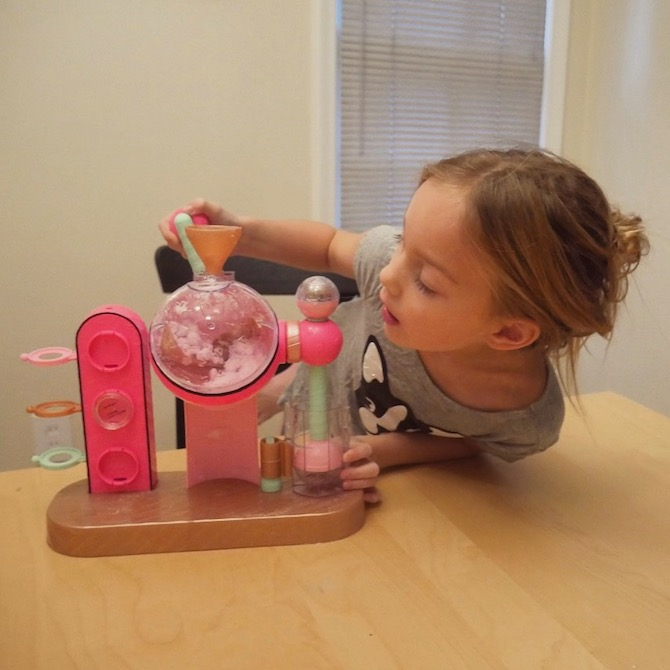 Ava Ryan plays with the Superfizz Factory toy