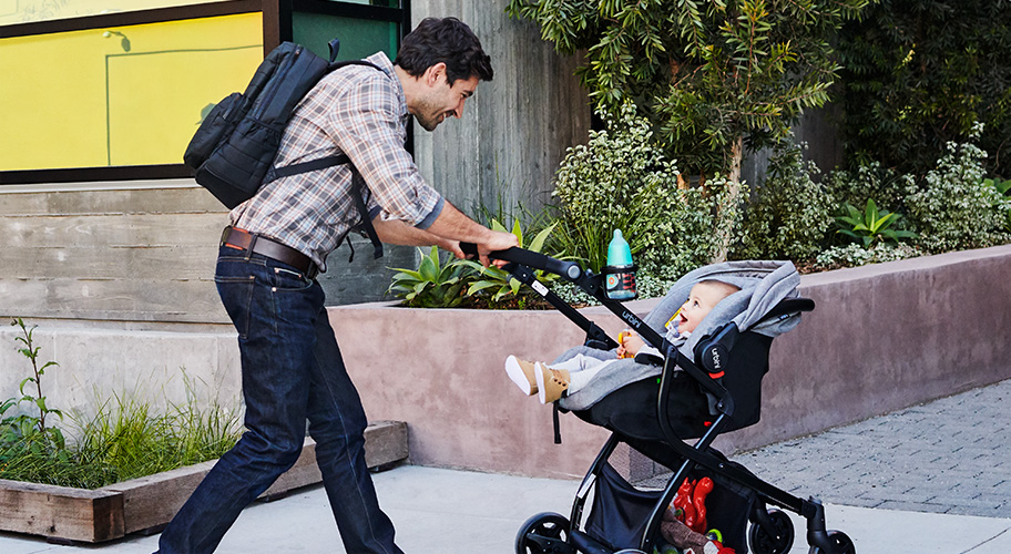 Rock 'n Stroll. Find the best strollers for Baby.