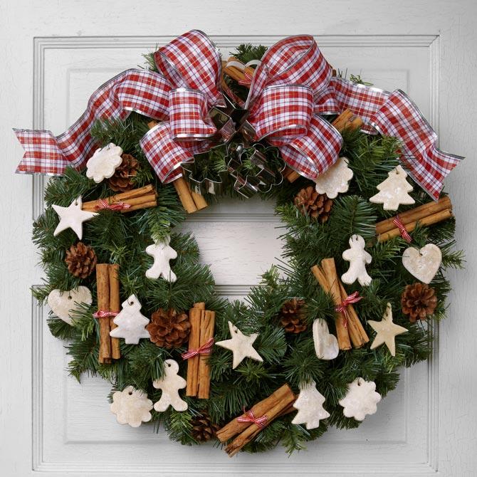 Christmas door wreath: sugar & spice