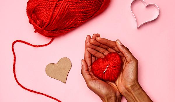 Kids craft idea for Valentine\'s Day: yarn heart pins - Walmart.com