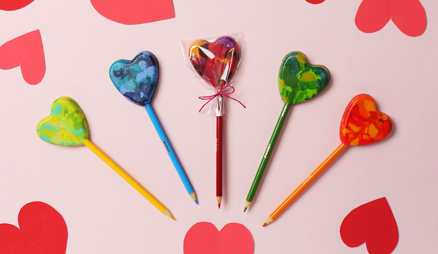 DIY Heart Lollipop Pencils: Learn How to Make with Melted Crayons & Colored Pencils