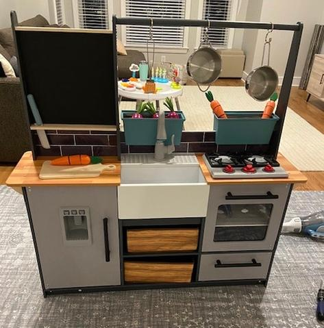 Kidkraft Farm To Table Play Kitchen With Ez Kraft Assembly And 18 Piece Accessory Play Set Walmart Com Walmart Com