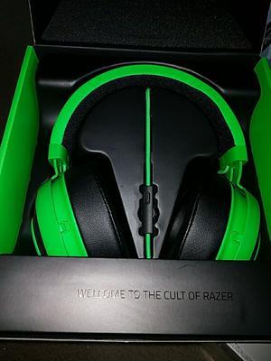 Razer Kraken Pro V2 - Analog Gaming Headset for PC, Xbox One