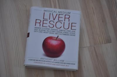 Medical Medium Liver Rescue : Answers to Eczema, Psoriasis, Diabetes,  Strep, Acne, Gout, Bloating, Gallstones, Adrenal Stress, Fatigue, Fatty  Liver,