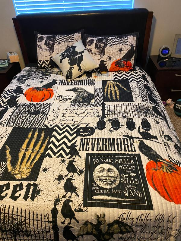 Full//Queen The Lakeside Collection Nevermore 4-Pc Halloween Quilt Set