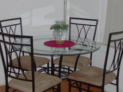 Mainstays 5 Piece Glass And Metal Dining Set 42 Round Tabletop