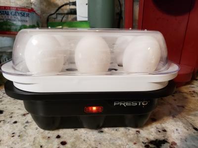 PRESTO 04632 Presto Easy Store 6 Egg Cooker
