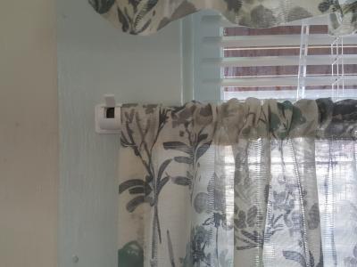 4PCS Self Adhesive Hooks Curtain Rod Bracket Pole Drapery Hook Holders Curtains