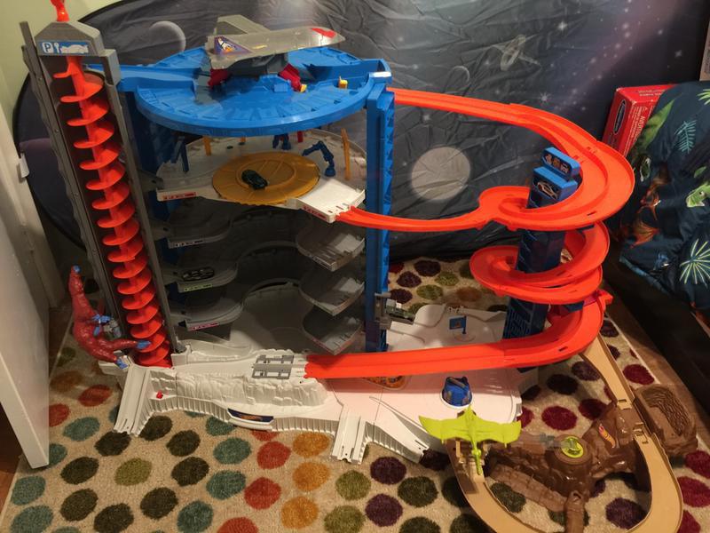 Hot Wheels Super Ultimate Garage Pterodactyl Set Walmart Exclusive