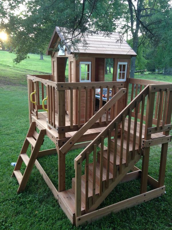 Backyard Discovery Cedar Playhouse Reviews