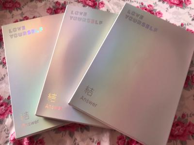 Love Yourself: Answer (Random cover, incl  116-page photobook, one random  photocard, 20-page minibook and one sticker pack)