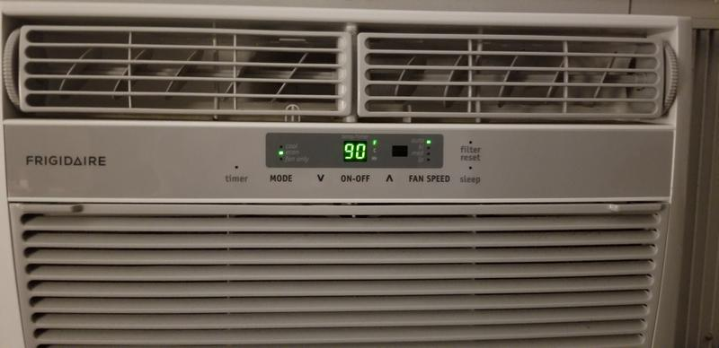 Frigidaire Fra086at7 8000 Btu Compact Window Air Conditioner With 3