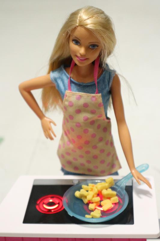 Musta Barbie seksiä