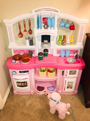 Step2 Fun With Friends Kitchen Pink Kitchen Play Set Walmart Com Walmart Com