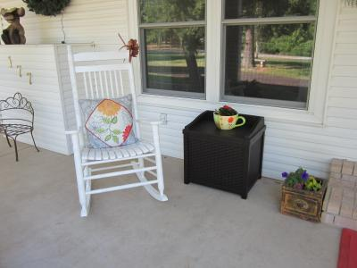 Suncast 22 Gallon Java Resin Wicker Small Storage Seat Deck Box