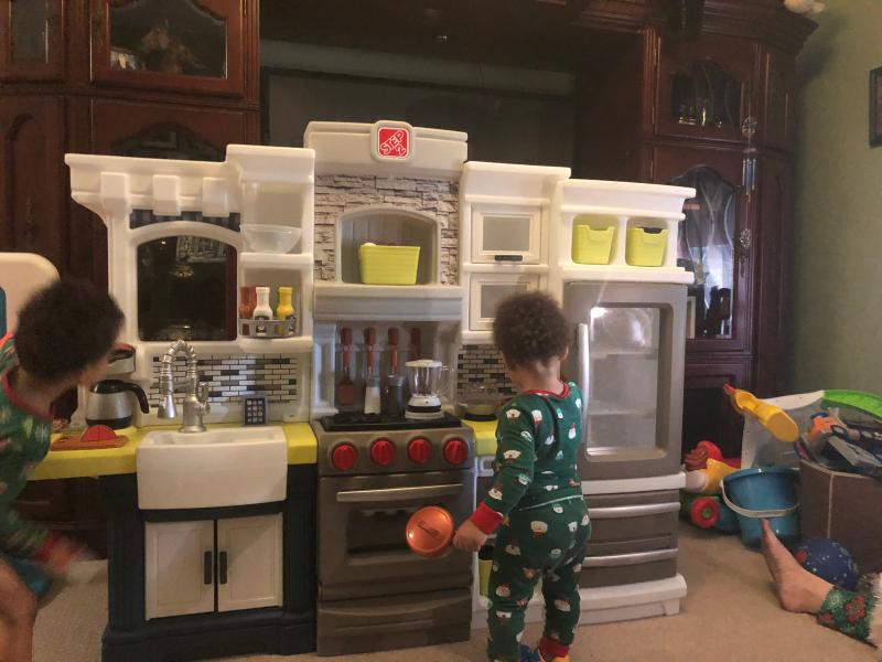Step2 Elegant Edge Kitchen Large Kitchen Play Set Walmart Com Walmart Com