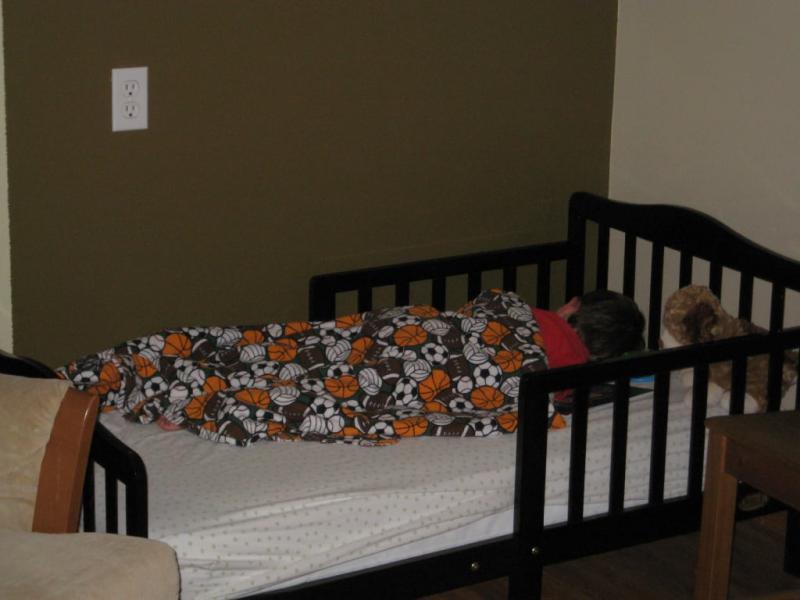 Orbelle Trading 401N Solid Wood Natural Toddler Bed