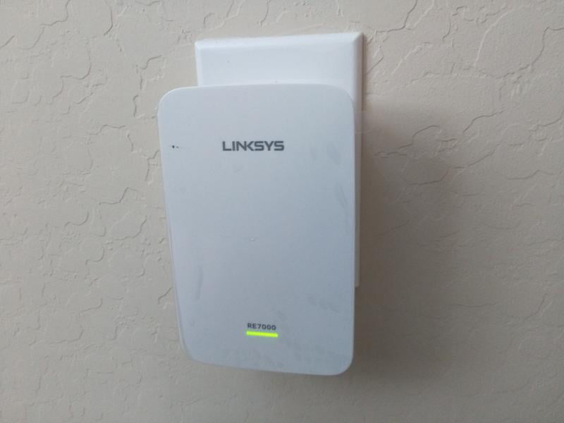 Linksys RE7000 Dual-Band Max-Stream™ Wi-Fi Range Extender (AC1900)