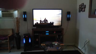 """Rockville HTS56 1000w 5.1 Channel Home Theater System//Bluetooth//USB+8/"""" Subwoofer"""