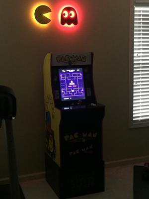 Pacman Arcade Machine, Arcade1UP, 4ft