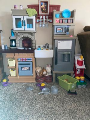 Step2 Heart Of The Home Play Kitchen With 41 Piece Accessory Set Walmart Com