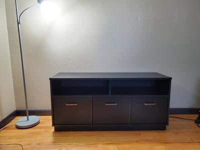 """Wood Entertainment Cabinet 4 Finishes 3-Door TV Stand Console for TVs up to 50/"""""""
