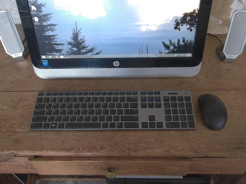 Dell Premier Wireless Keyboard & Mouse - KM717