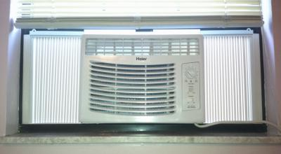 Haier HWF05XCL-L 5,000-BTU Compact Mini Room Window Air Conditioner