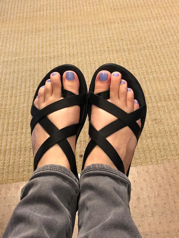 olukai women's upena sandal