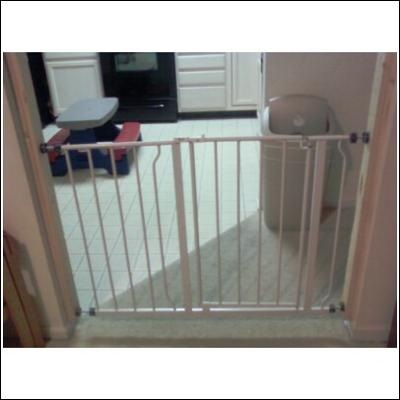Regalo Extra Wide Step Through Baby Gate 29 50 With Extensions