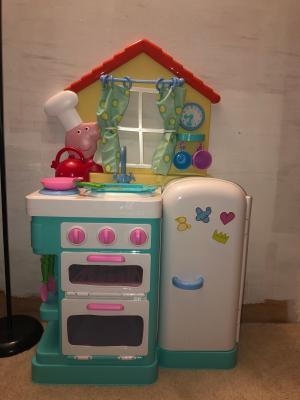 Peppa Pig Deluxe Feature Roleplay Little Play Kitchen Walmart Com Walmart Com