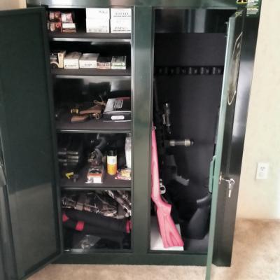 stack on 16 to 31 gun convertible double door security cabinet rh walmart com