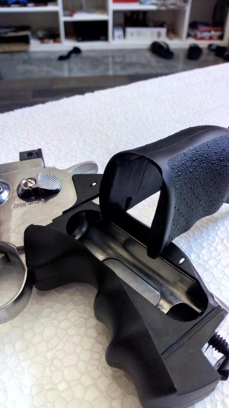 Crosman Silver Edition CO2 Powered 6 Shot Revolver Air